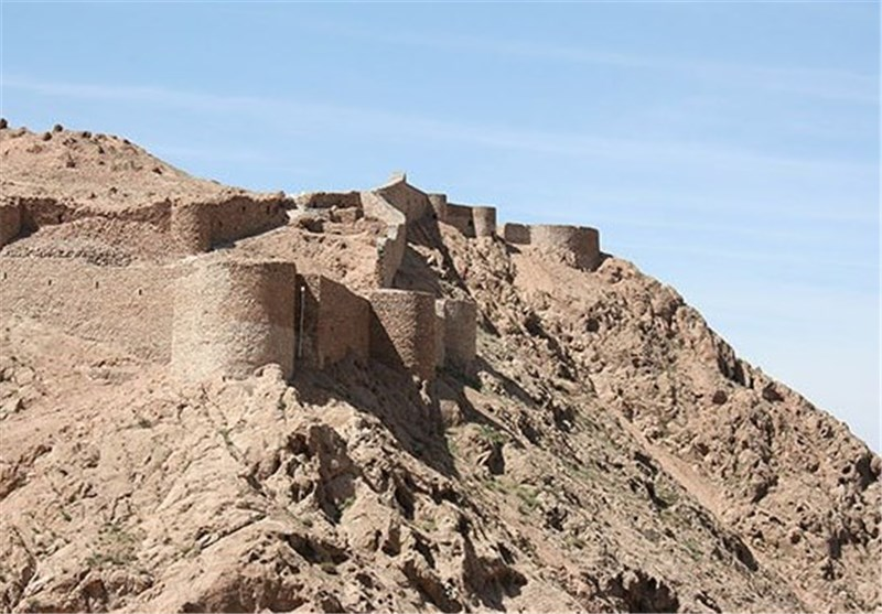 قلعه کوه قائن (قلعه آرتاگوانا)